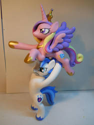 Cadence Toss! by EarthenPony
