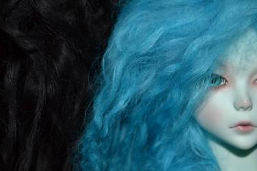 Black and Blue by HanaOkami