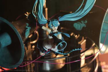 Miku Hatsune Love is War DX by kixkillradio