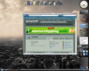 August Desktop by Gavatx