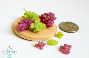 1:12 Red and Green Grapes by PepperTreeArt