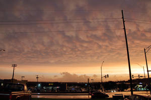 06-11-2018 - Mammatus Sunset - Omaha, NE by WxKnowltey