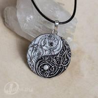 Yin-Yang II by drakonaria
