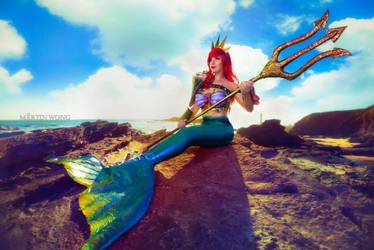 DA Cosplay of the Week: Lisa Lou's Ariel! by AllThatsCosplay