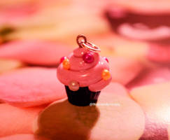 Puffy pink cupcake, polymer clay by Nelespolymerclay