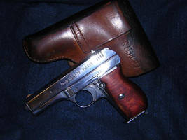 WWII Nazi pistole Modell 27 by vonmeer