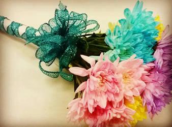 Spring Glitter Mum/Poms Hand Held BQ by pippierafrostlin