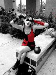 Harley Quinn (black white red) by Joendo