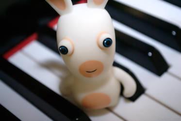Rabbids can't play piano by DokuroYuki