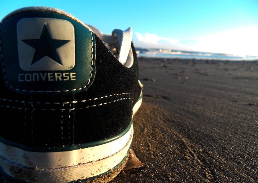 8e0757824b75 converse on the beach by edwarddd89 on DeviantArt