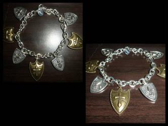 Shield Bracelet/Casually nerds it up by Mirackles