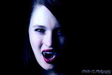 Vampire portrait by Radlingmayer