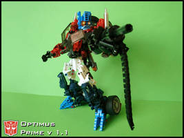 [MOC] Optimus Prime v 1.1 Robot Mode by QuQuS