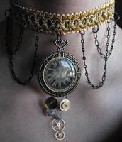 Clockwork and cogs choker by Eisoptrophobic