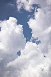 Pale clouds by Rolmopsis
