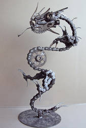 Dragon by metalmorphoses