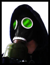 Green Gaze by BrainLessGirl