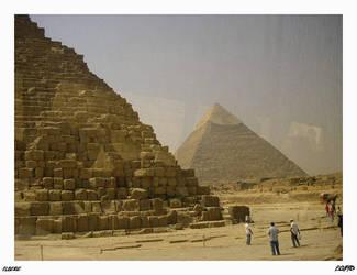 Piramides desde el bus... by Elbeige
