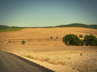 Carlantino, Puglia by suburbantrain