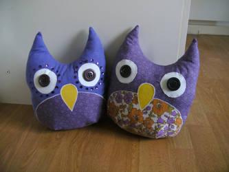 owl pillows by mollyslips