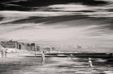 infrared beach in italy by eguard