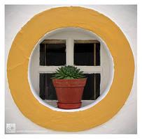 Small Window by Garelito-Photos