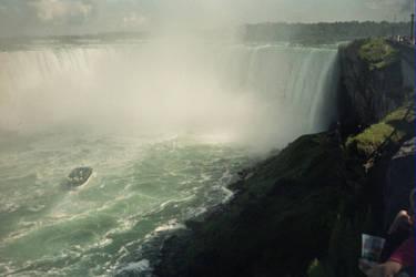 Canadian Side Niagra (20) by gwilliams70