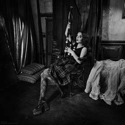 Anna S. bagpiper by Anhen