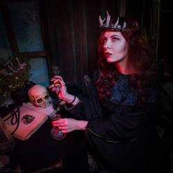Anna S. dark queen by Anhen