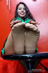 Lady robin in tan pantyhose V by DivaRope