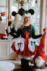Christmas Minnie 2 by LadyOfTheShadow
