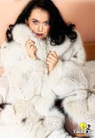 Katy Perry in fox fur coat by Tweety63