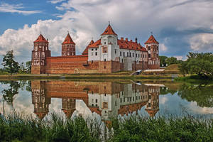 The Mir Castle by Daykiney