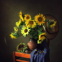 From the series about sunflowers by Daykiney