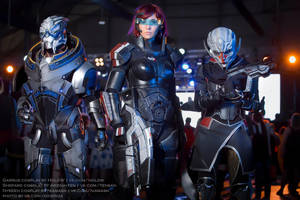 Mass Effect: Garrus, Shepard, Nyreen cosplay by HoldW