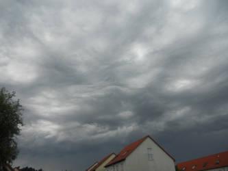The sky is falling by oOSulimeOo
