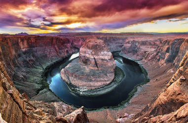 Horseshoe Bend by coulombic