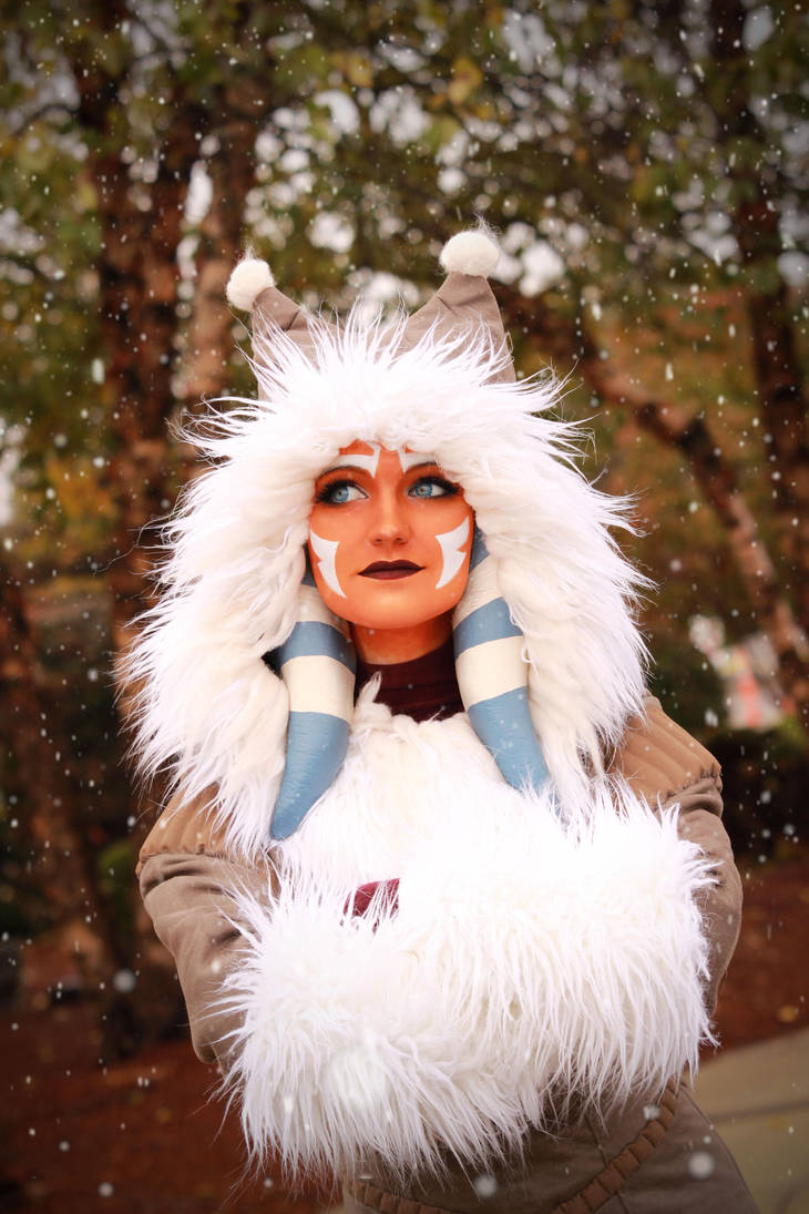 Ahsoka Tano (Winter Coat) Cosplay 6 by mblackburn