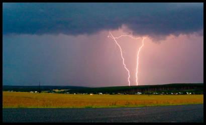 Hurricane of lightnings by Frider