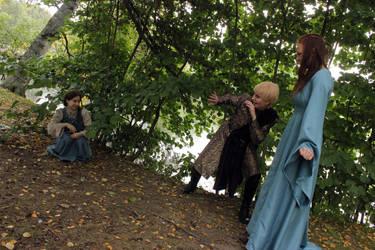 Arya stop it! by chestoberry