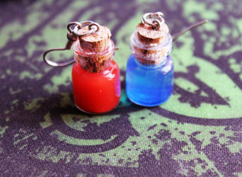 Mana and Health Potion Earrings by CakeFruit