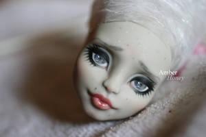 Rochelle Goyle repaint by Amber-Honey
