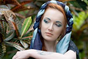 Blue eyebrows by Angbryn