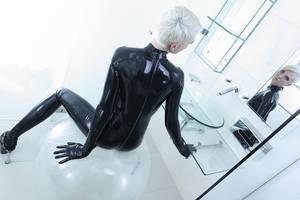 Kinky mirror by Romeo-and-Juliett