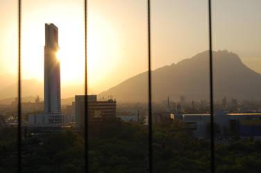 Ocaso en Monterrey by Serpientealada