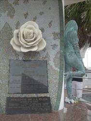 Selena Quintanilla's Memorial by misdinos0