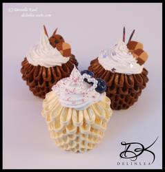 Cupcakes  - 3D Origami And DecoDen - by Delinlea