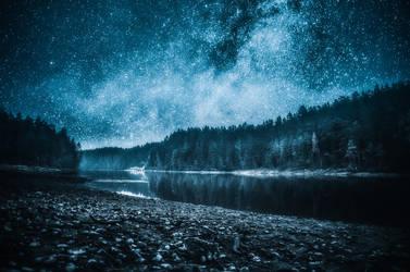 Night air by HendrikMandla