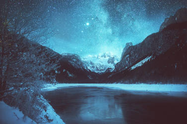 Enchanted by the night by HendrikMandla