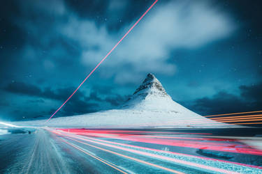 Traffic at Kirkjufell by HendrikMandla